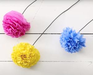 zelf bloemen maken van crepe papier